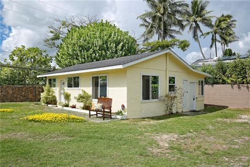 Photo of 110 N Kalaheo Avenue, Kailua, HI 96734 (MLS # 202028158)