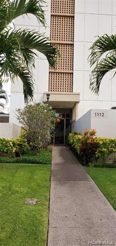 Photo of 1112 Kinau Street #705, Honolulu, HI 96814 (MLS # 202101235)