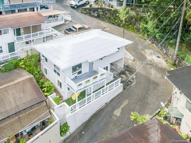 Photo of 3031 Nihi Street #E6, Honolulu, HI 96819 (MLS # 202119295)