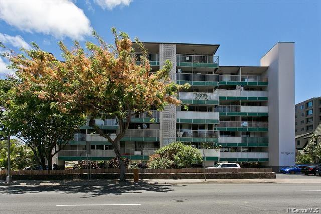Photo of 1314 Piikoi Street #405, Honolulu, HI 96814 (MLS # 202119305)