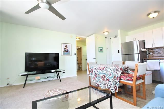 Photo of 411 Hobron Lane #3007, Honolulu, HI 96815 (MLS # 202110462)