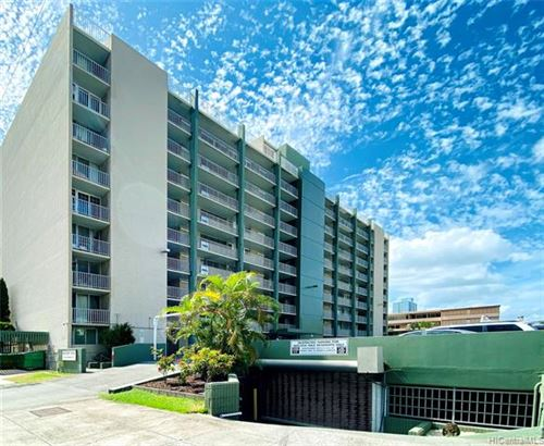 Photo of 1326 Keeaumoku Street #807, Honolulu, HI 96814 (MLS # 202027813)