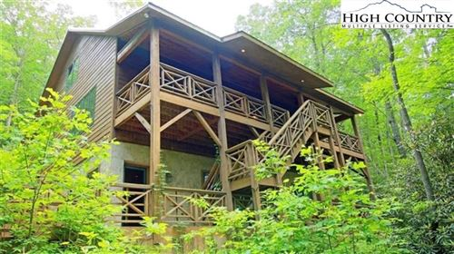 Photo of 422 Wolf Den Lane, Blowing Rock, NC 28645 (MLS # 221008)