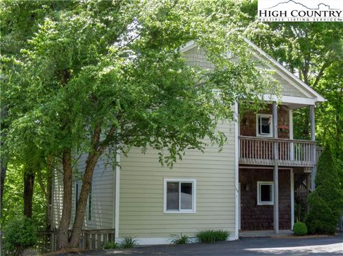 Photo of 164-1 Evergreen Springs Court #164-1, Blowing Rock, NC 28605 (MLS # 231010)
