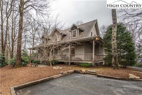 Photo of 287 Red Wolf Road, Blowing Rock, NC 28605 (MLS # 221016)