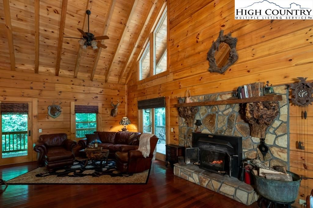Photo for 1694 Humpback Mountain Road, Spruce Pine, NC 28777 (MLS # 232038)