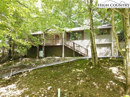 Photo of 124 Teaberry Trail, Beech Mountain, NC 28604 (MLS # 233060)