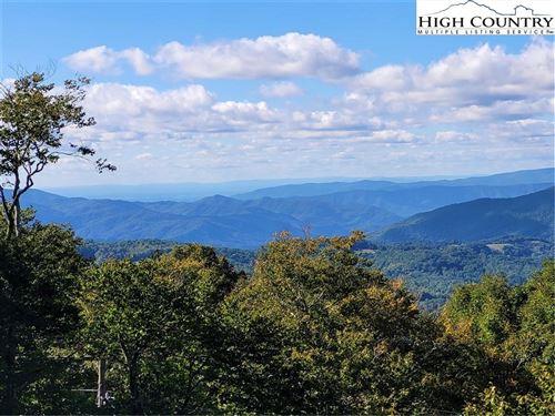 Photo of 127 Raven Road, Beech Mountain, NC 28604 (MLS # 234068)