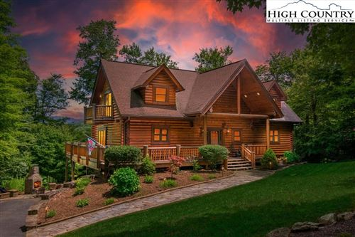 Photo of 415 Highland Circle, Sugar Mountain, NC 28604 (MLS # 232072)