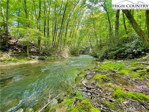 Photo of 127 Stone Ledge Lane, Blowing Rock, NC 28605 (MLS # 231104)