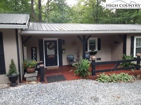 Photo of 224 Sourwood Knoll, Newland, NC 28657 (MLS # 233108)