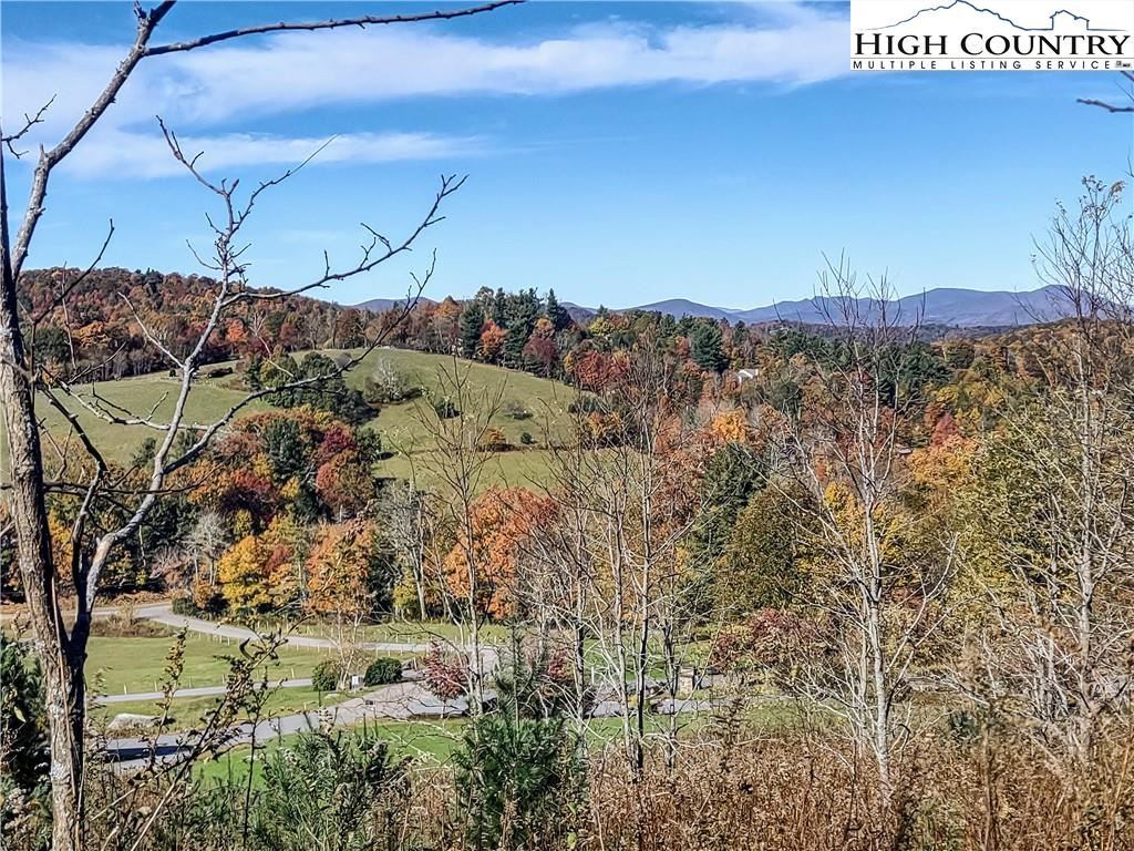 Photo of Lot 31 Antler Trail, Blowing Rock, NC 28605 (MLS # 233113)