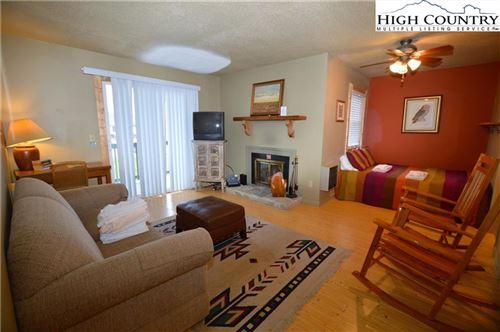 Photo of 301 Pinnacle Inn Road #4205, Beech Mountain, NC 28604 (MLS # 221115)