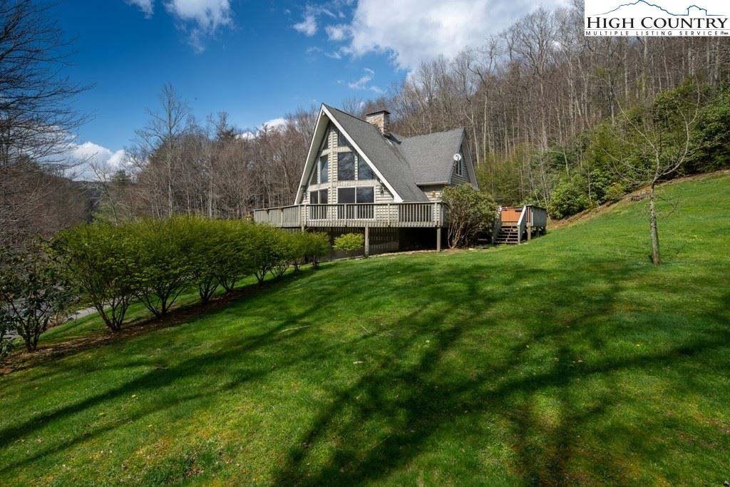 Photo for 177 Oak Street, Linville, NC 28657 (MLS # 230117)