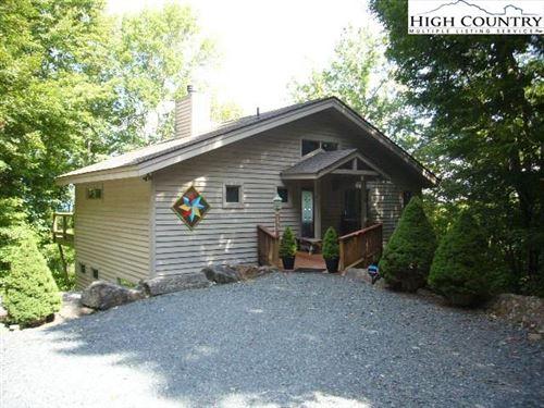Photo of 190 Wild Daisy Lane, Beech Mountain, NC 28604 (MLS # 233131)