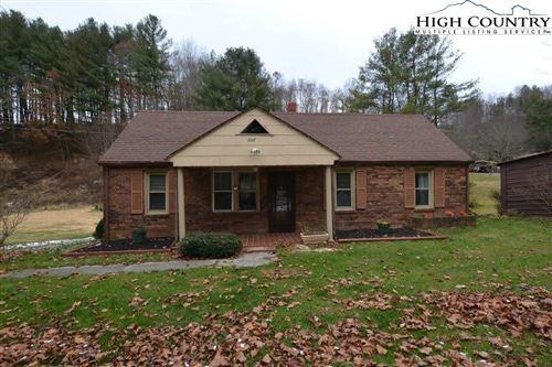 Photo of 537 Piney Creek Road Road, Lansing, NC 28643 (MLS # 230132)