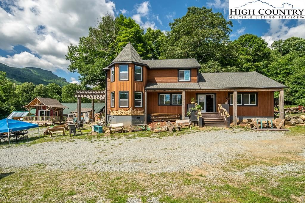 Photo for 133 Shelby Street, Seven Devils, NC 28604 (MLS # 231137)