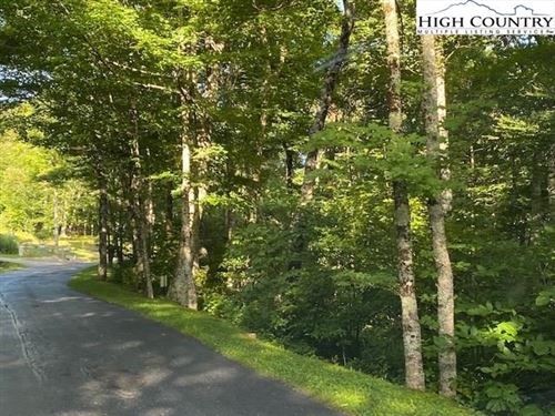 Photo of Lot 121 Cloud Springs Drive, Sugar Mountain, NC 28604 (MLS # 224140)