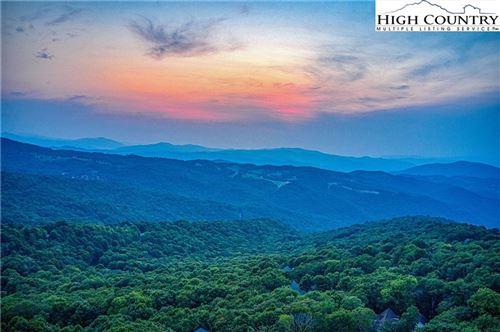 Photo of 1402 Beech Mountain Parkway, Beech Mountain, NC 28604 (MLS # 232145)