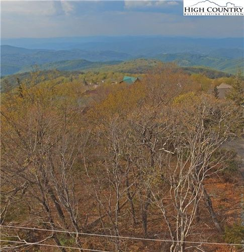 Photo of 307 N Pinnacle Ridge, Beech Mountain, NC 28604 (MLS # 230156)
