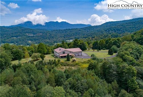Photo of 315 Ridgeview Road, Sugar Mountain, NC 28604 (MLS # 219159)