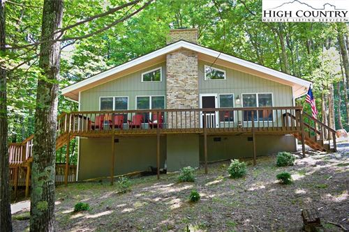 Photo of 142 Clubhouse Road, Beech Mountain, NC 28604 (MLS # 217161)