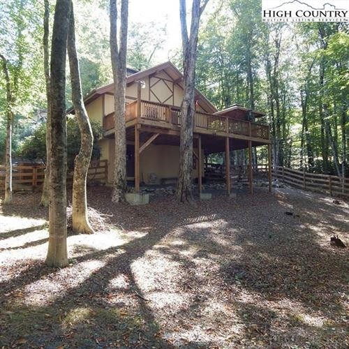 Photo of 112 Overbrook Trail, Beech Mountain, NC 28604 (MLS # 219234)