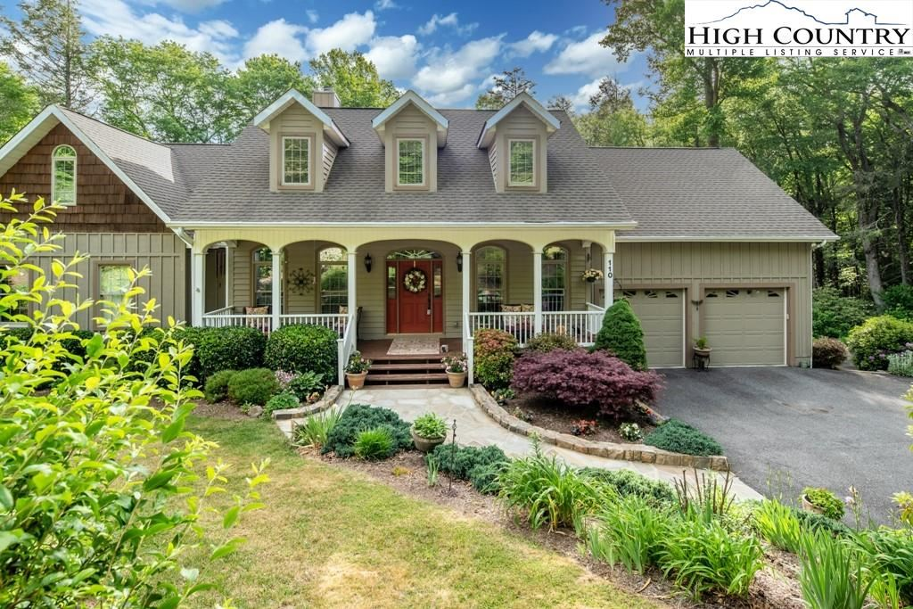 Photo for 110 Oak Street, Linville, NC 28646 (MLS # 228237)