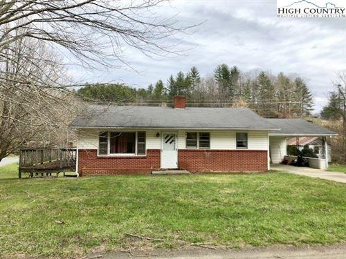 Photo of 987 White Oak Road, Bakersville, NC 28705 (MLS # 206246)