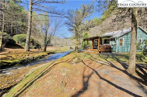 Photo of 714 Aho Road, Blowing Rock, NC 28605 (MLS # 229269)