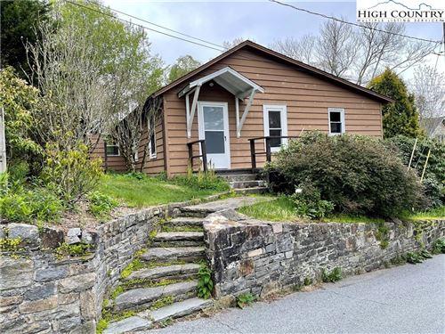 Photo of 452 Wallingford Street, Blowing Rock, NC 28605 (MLS # 230279)