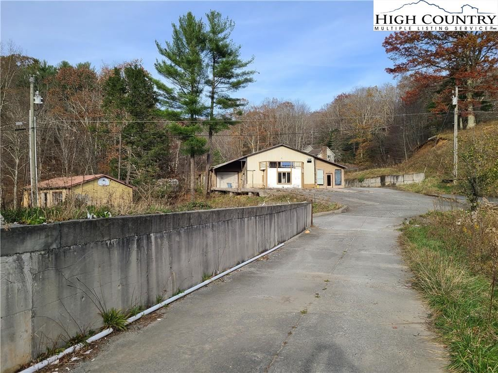 Photo of 1291 Old 421 S, Highway, Boone, NC 28607 (MLS # 233295)