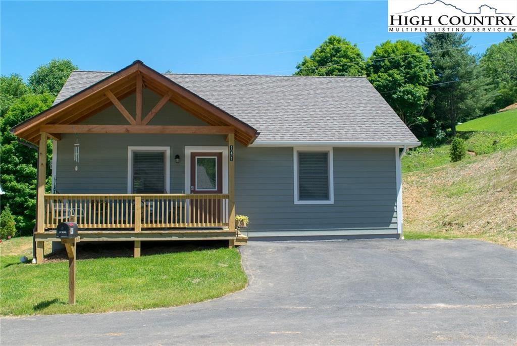Photo of 192 Townhomes Place #10, Boone, NC 28607 (MLS # 231333)