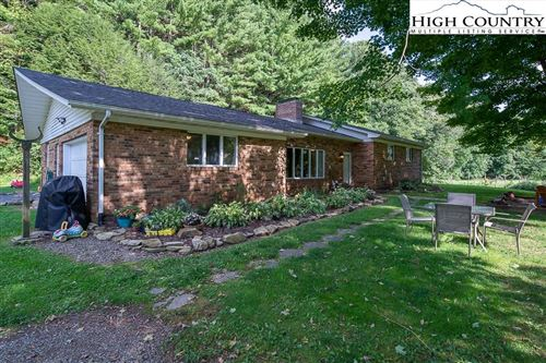Photo of 5508 Old US Hwy 421, Zionville, NC 28698 (MLS # 233336)