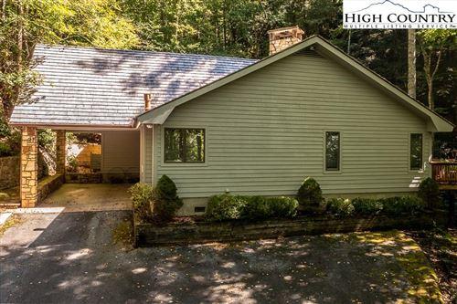 Photo of 420 Cascades, Boone, NC 28607 (MLS # 233350)