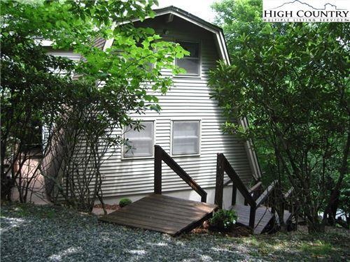 Photo of 104 TOBOGGAN LANE, Beech Mountain, NC 28604 (MLS # 231362)