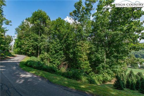Photo of 810 Hemlock Drive, Newland, NC 28657 (MLS # 229400)