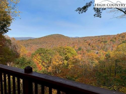 Photo of 106 Pond View, Beech Mountain, NC 28604 (MLS # 226401)