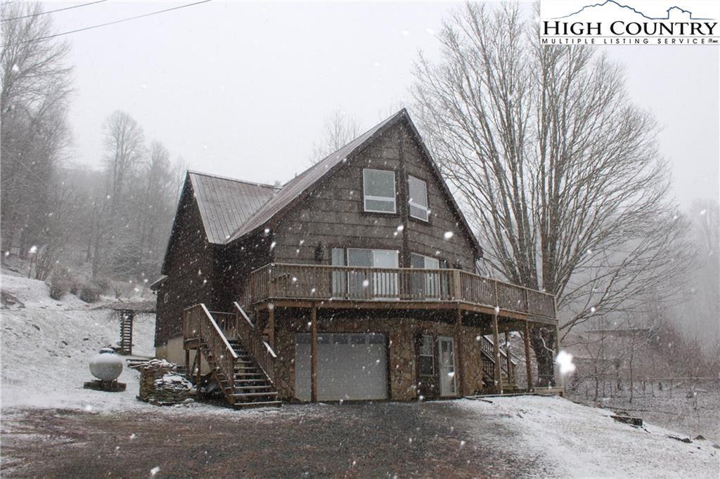 Photo of 1238 Cloudrise Lane, Banner Elk, NC 28604 (MLS # 220428)