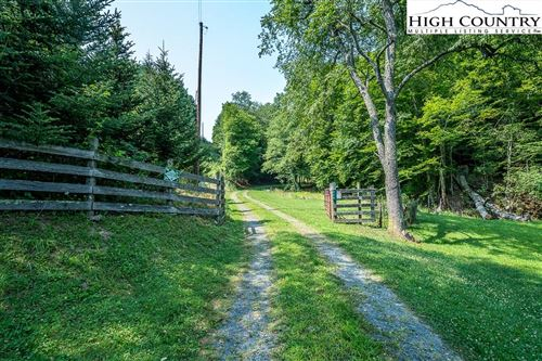 Photo of 378 Walnut Creek Drive, Lansing, NC 28643 (MLS # 232435)