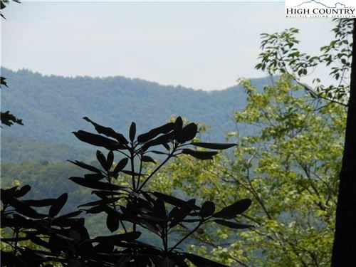 Photo of Parcel 3 Summa Family Lane, Blowing Rock, NC 28605 (MLS # 201440)