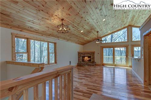 Photo of 521 Pine Ridge Road, Beech Mountain, NC 28604 (MLS # 220456)