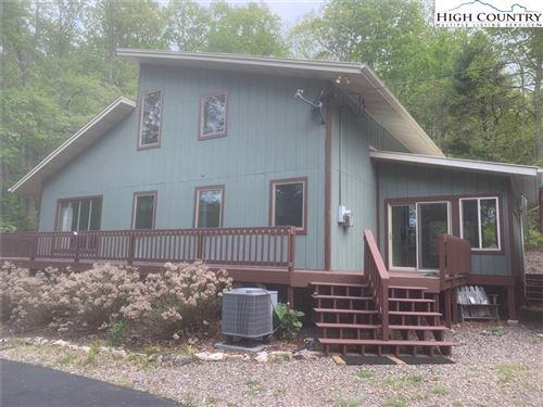 Photo of 166 Boone Ridge Drive, Mountain City, TN 37683 (MLS # 230481)