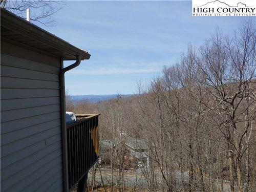 Photo of 124 Tamarack Road, Beech Mountain, NC 28604 (MLS # 229483)