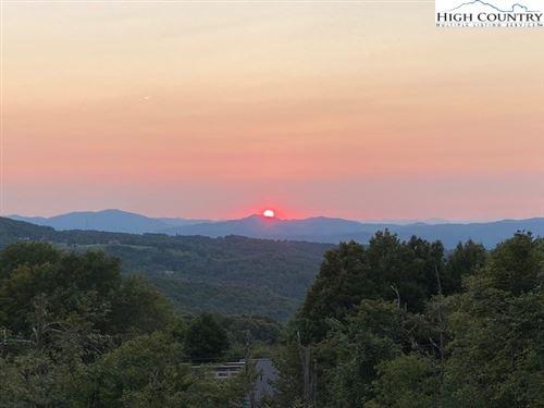 Photo of 108 Raven Road, Beech Mountain, NC 28604 (MLS # 228512)
