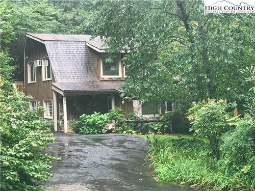 Photo of 89 Harbor Lane, Newland, NC 28657 (MLS # 224601)