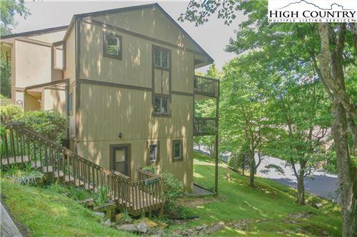 Photo of 300 Ridgeview 9 U-4 Road #4, Sugar Mountain, NC 28604 (MLS # 230603)