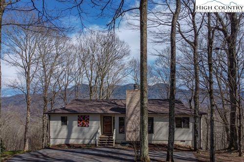 Photo of 174 Robin Lane, Sugar Mountain, NC 28604 (MLS # 229616)