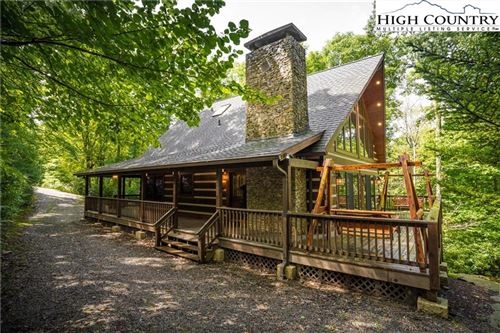 Photo of 385 Fox Den Road, Blowing Rock, NC 28605 (MLS # 224656)