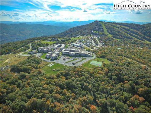 Photo of 301 Pinnacle Inn Road #3320, Beech Mountain, NC 28604 (MLS # 233671)